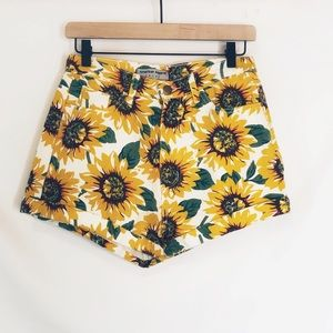 ✨American Apparel Sunflower High Waisted Shorts